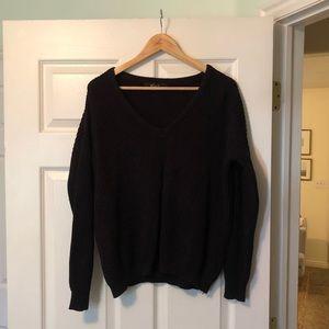 Forever 21 black v neck sweater size M